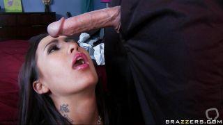 Hot Babe Sucking Cock Really Hard