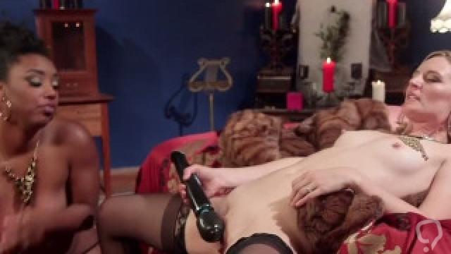 Blonde lesbian anal fucks ebony call girl