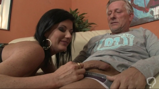 Enjoy hardcorw with a hungry milf