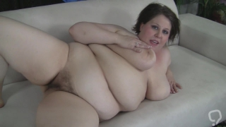 Slow finger fucking by horny mature