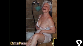 OmaPasS Amateur Grandma Pictures with Toysex