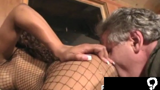 Prurient bimbo seems to be a slut with such a blowjob