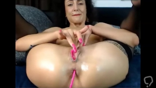 02 Nov 2017 - A vibrator in my pussy and in my ass