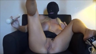 BLONDE UP IN CHAIR GREAT ORGASM WITH BUTT PLUG AND SQUIRT AT END