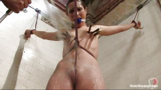 Skinny Milf Is Going In A Water Bondage