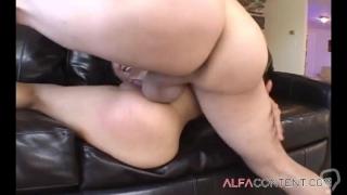 Asian babe enjoys deep throat and hard anal