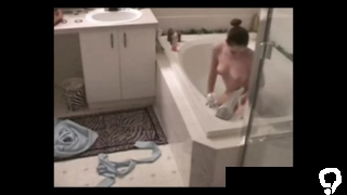 spying my sisters bath masturbation