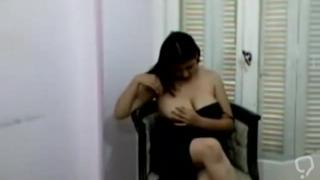 Hot Arab Girl Undressing for Cam