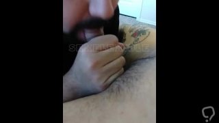 Michael Hoffman gets a BJ from a very lucky guy!
