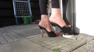 Nice Mule dirty soles