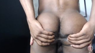 Straight Bubble Butt Boxer Spreads His Ass
