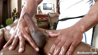 Masseur Giving A Handjob And Having His Dick Sucked