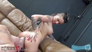 Tattooed Brunette With Round Boobs Sucking A Big Cock