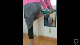 Bunny Ratchet - Teen in Leggings Farts Before Her Workout