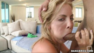 Blonde Hot Chick Having Her Pussy Licked And Giving Blowjob
