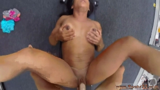 Amateur pussy fisting Muscular Chick Spreads Eagle For Cash