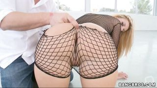 Jessie Rogers Gives Perfect Head