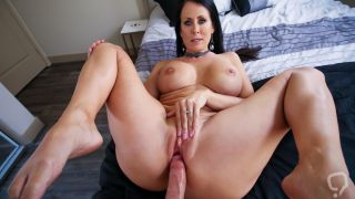 Smoking hot MILF Reagan Foxx gets a hardcore sex