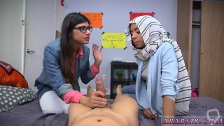 Arab teen girl BJ Lesplayfellows sons with Mia Khalifa
