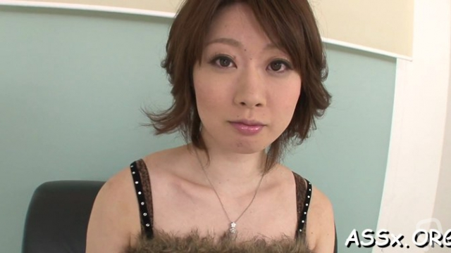 Asian mature rio kagawa likes to masturbate with a sex toy