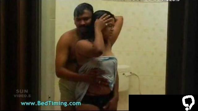 Big Boobs Desi Indian Aunty
