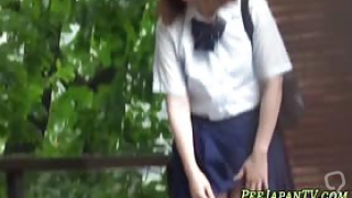 Weird japanese teenagers peeing in public while being spied on