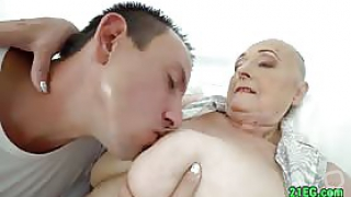 Old slut with big natural balloons gets slammed hard by a stud