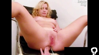 Blonde Leah visiting a gyno clinic to have to spread