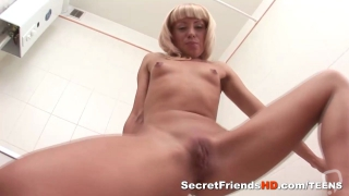Blondie Posing Nude