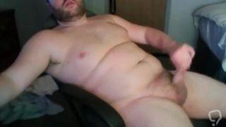 Cute Beefy Cub Cums on Again