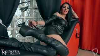Mistress Kennya: The perfect boots preview