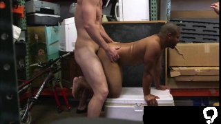 Cock sucker black guy pull a cock in the shop and encounters threesome