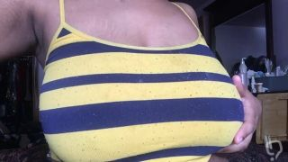 Tits And Stretch Marks Anyone ?