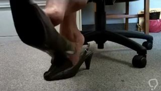 Sexy dangling shoeplay
