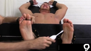 Foot loving gay sex and naked ball player xxx Wrestler Frey Finally Tickled