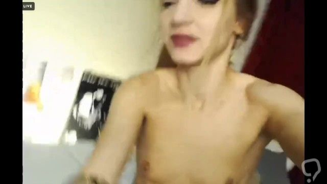showing off her gape with anal winking and beads romanian camgirl