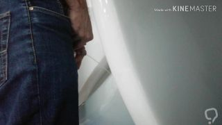 Gay spycam pissing