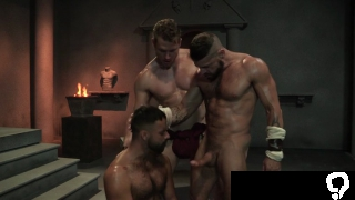 muscle bear threesome with cumshot clip