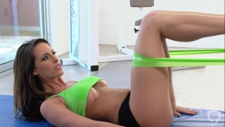 Strong fuck for sporty milf in heats