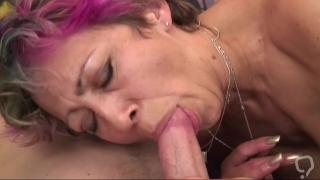 Hardcore sex with a horny granny