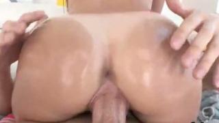 Ravishing hottie exposes huge fanny and gets anal hole banged