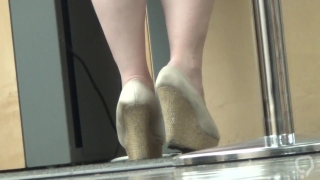 candid big girl 1 - Sexy Dirty Feet Dipping