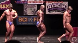 Welterweight Bodybuilder Posedown