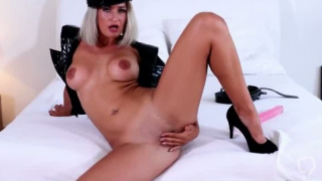 Slim Mom Nicole Vice  Gives Titjob Sweet Teen Dad s Friend