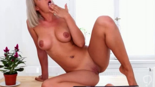 Perfect Mother In Law Nicole Vice  Gives Blowjob Hot Her Stepson