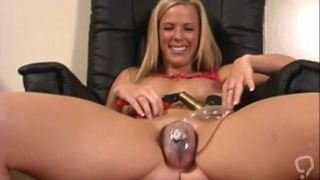 Cunt pumping with busty blondie in heats