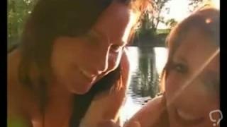 Zwei Babes sch  ne Kleiderb  gel geben hj am See