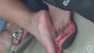 Candid Feet samples 4 (1080p quality and faces in the C4S)