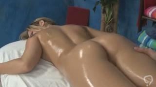 Startling blonde Sienna Milano gets hole loving action