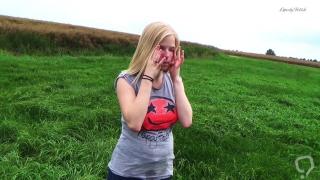 Clip 11Lil - Outdoor Spanking und Posing - FACE